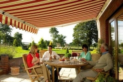 garden-patio-awning